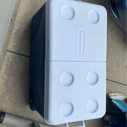 Rubbermaid Ice Chest for Sale in Chino,  CA