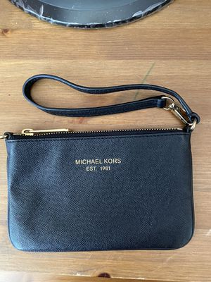 Black Michael Kors Wristlet for Sale in Chula Vista, CA