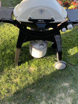 Weber Grill for Sale in Costa Mesa,  CA