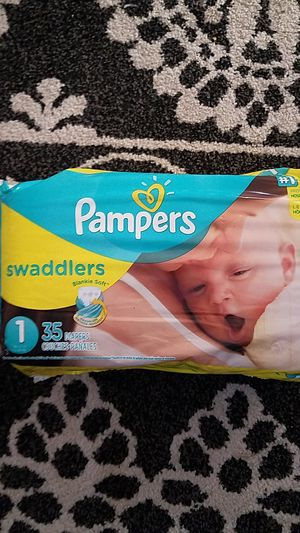 1 Pampers 35 diapers for Sale in Carson, CA