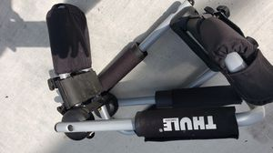 Thule Rooftop Kayak Carrier for Sale in Issaquah, WA