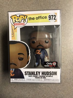 Stanley Hudson with Pretzel Funko Pop GameStop Exclusive The Office 972 with protector for Sale in Dallas, TX