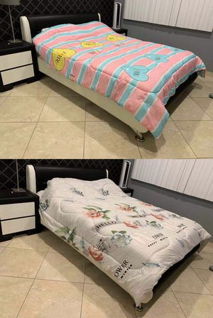 New cover queen size bed 96x89 inches cotton plush blanket with different designs to choose from for Sale in Los Angeles, CA