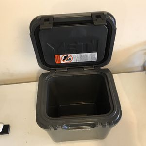Yeti Roadie 24 - Yeti Cooler for Sale in Renton, WA
