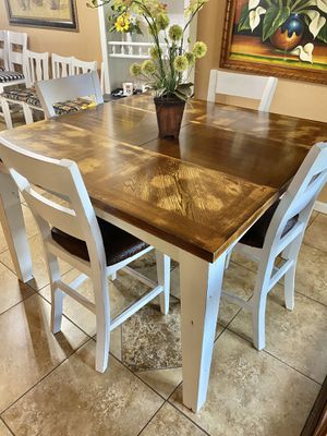 Cute funny counter kitchen table /4 bar stools 😍 for Sale in Denver, CO