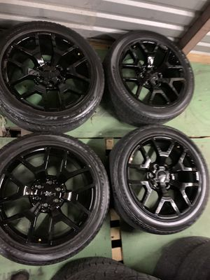 Chevy wheels and tires 22 inch for Sale in Mesquite, TX