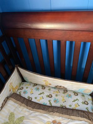 Baby crib for Sale in Montclair, CA