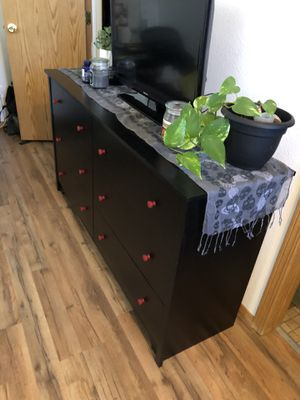 Black Dresser w, Maroon Knobs (Free) for Sale in Thornton, CO