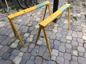 Pro Adjustable Metal height Horse Saw for Sale in Miami Gardens, FL