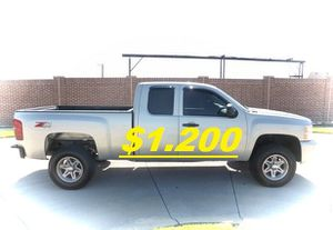 💲1,200 2011 Chevrolet Silverado Very Clean!Runs and Drives great.❤️ for Sale in Las Vegas, NV