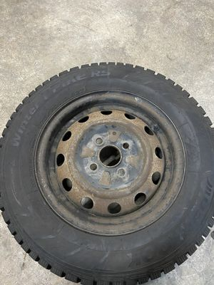 Hankook winter I pike snow tires studded /70r13 on 4x114.3mm wheels for Sale in Renton, WA
