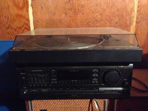 Denon Turntable with Magnavox Amplifier for Sale in Knoxville, TN