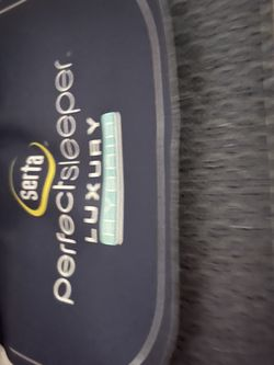 Just Out Of Plastic , Cal King Serta Perfect Sleep Luxury W/Gel Foam for Sale in Fresno,  CA