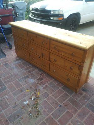 tocador de madera excelentes condiciones for Sale in Lynwood, CA