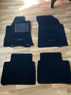2013 to the 2016 nissan altima floor mats for Sale in Parkville, MD