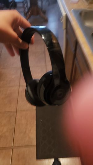 Beats solo 3 with adapter for Sale in Mesa, AZ