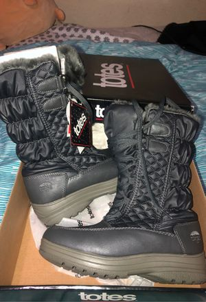 Totes Rain boots/Winter boots for Sale in Irving, TX