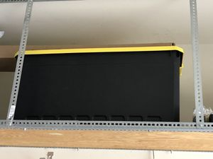 Black w/ yellow lid storage container for Sale in Woodstock, GA