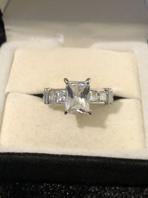 In great condition Emerald cut crystal Quarts Gemstone set in a silver ring. Size 7 for Sale in Vacaville, CA