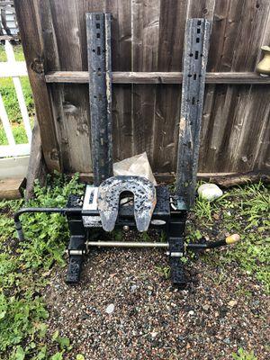 Fifth wheel hitch for Sale in Morro Bay, CA