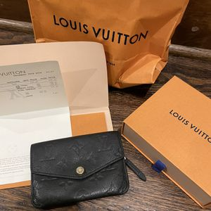 Authentic Louis Vuitton Pouchette With Receipt for Sale in Roanoke, TX