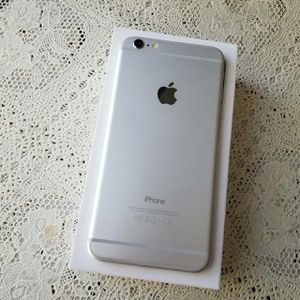 IPhone 6 Plus ,,UNLOCKED .  Excellent Condition  ( as like New) for Sale in Springfield, VA