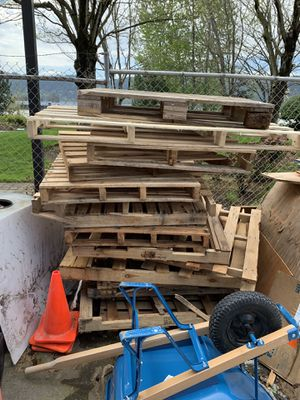 Free wood pallets for Sale in Portland, OR