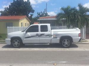 2003 Chevy Silverado for Sale in Hialeah, FL