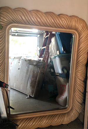 HUGE BEAUTIFUL MIRROR!! IN GOOD CONDITION! for Sale in Tracy, CA