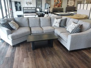 CUDDLER SECTIONAL SOFA WITH ACCENT PILLOWS for Sale in Arlington, TX