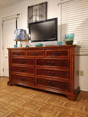 Solid wood UNIVERSAL FURNITURE big dresser/TV stand with 9 drawers in great condition all drawers working well, dovetail drawers, , for Sale in Annandale, VA