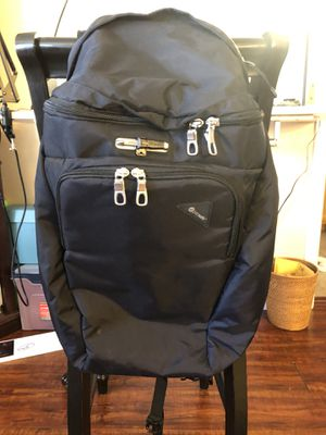 Anti Theft Traveling Backpack (VIBE) for Sale in Las Vegas, NV