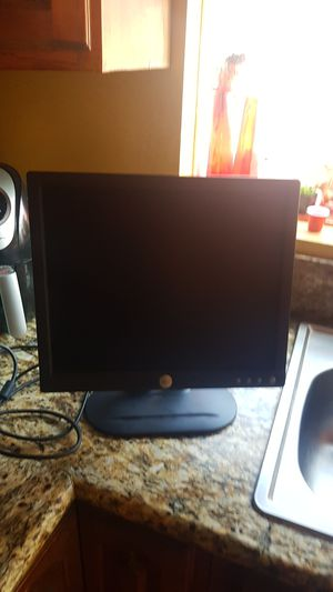 Dell computer touch screen desk top wireless keyboard and mouse included for Sale in Los Angeles, CA