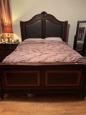 Queen size bed 4 piece set. for Sale in Villa Park, IL