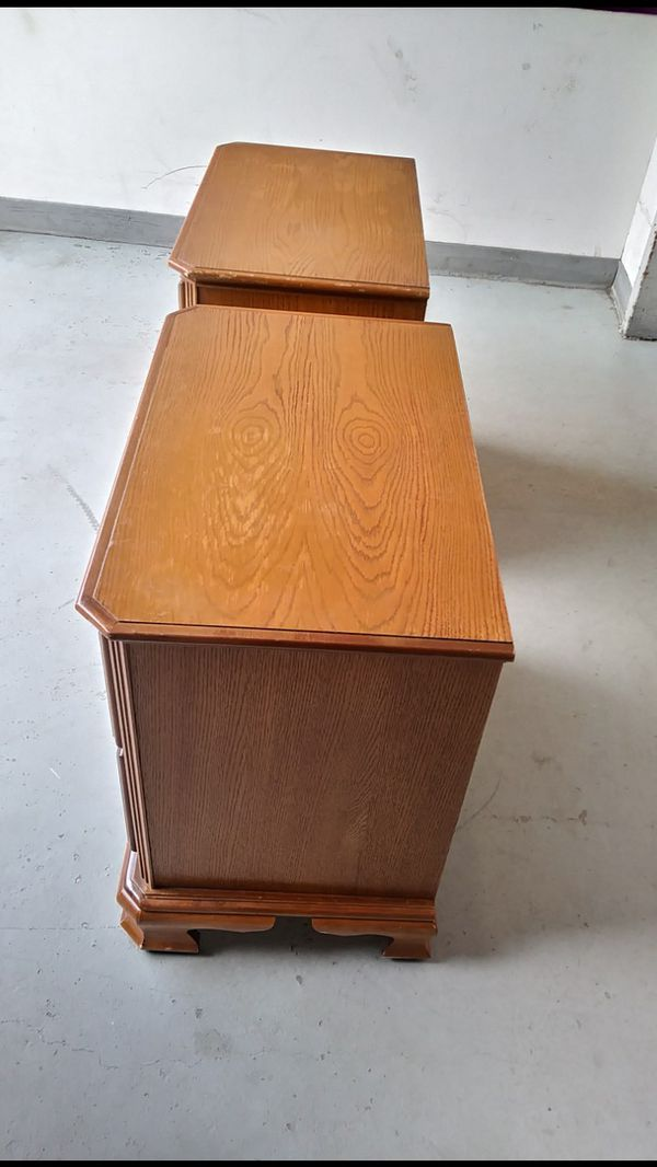 TWO QUALITY NIGHT STAND WITH BIG DRAWERS