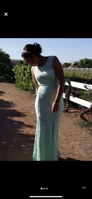 Windsor prom dress for Sale in Mesa, AZ