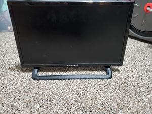 ELEMENT TV 18 INCH WITH STAND for Sale in Powdersville, SC