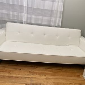 White Leather Sofa for Sale in Plainview, NY
