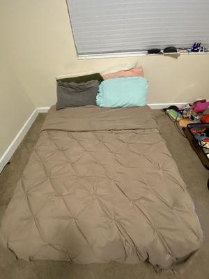 Full Sized bed and bed frame for Sale in Tampa, FL