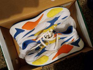 Pumas white yellow blue orange for Sale in Milwaukee, WI