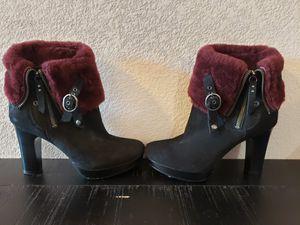 UGG Scarlett Genuine Shearling Shaft Boot (Women's Size 7) for Sale in Las Vegas, NV