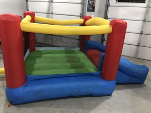 Kids Bouncy House w/Storage Bag for Sale in Puyallup, WA