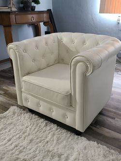 2 Small White Couches for Sale in Miami,  FL