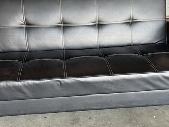 Couch for Sale in Hanford,  CA
