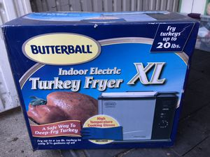Butterball Indoor Electric Turkey Fryer XL. Used only twice for thanksgiving. for Sale in Campbell, CA