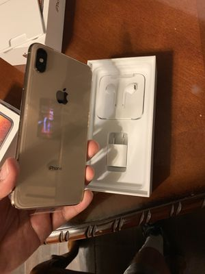 Unlocked iPhone Xs Max for Sale in Riverside, CA
