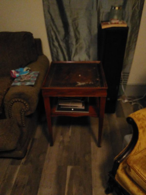 Antique vintage end table