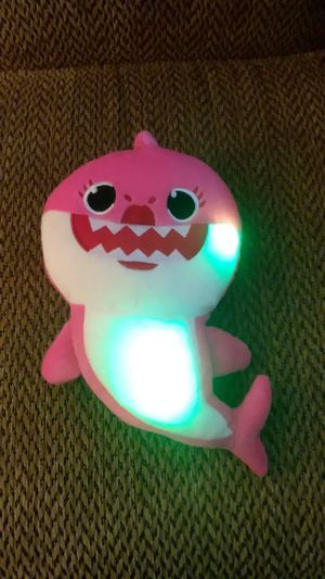 BABY SHARK SINGING AND FLASHING LIGHTS PLUSH TOY for Sale in Philadelphia, PA