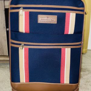 Travel Suitcase / Tommy Hilfiger for Sale in Hesperia, CA