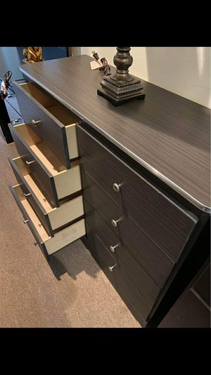 New Compressed Wood Dresser Jumbo 9 Drawers for Sale in Long Beach, CA